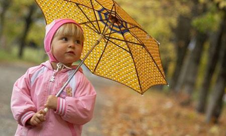 Необходимо защитить ребенка от намокания
